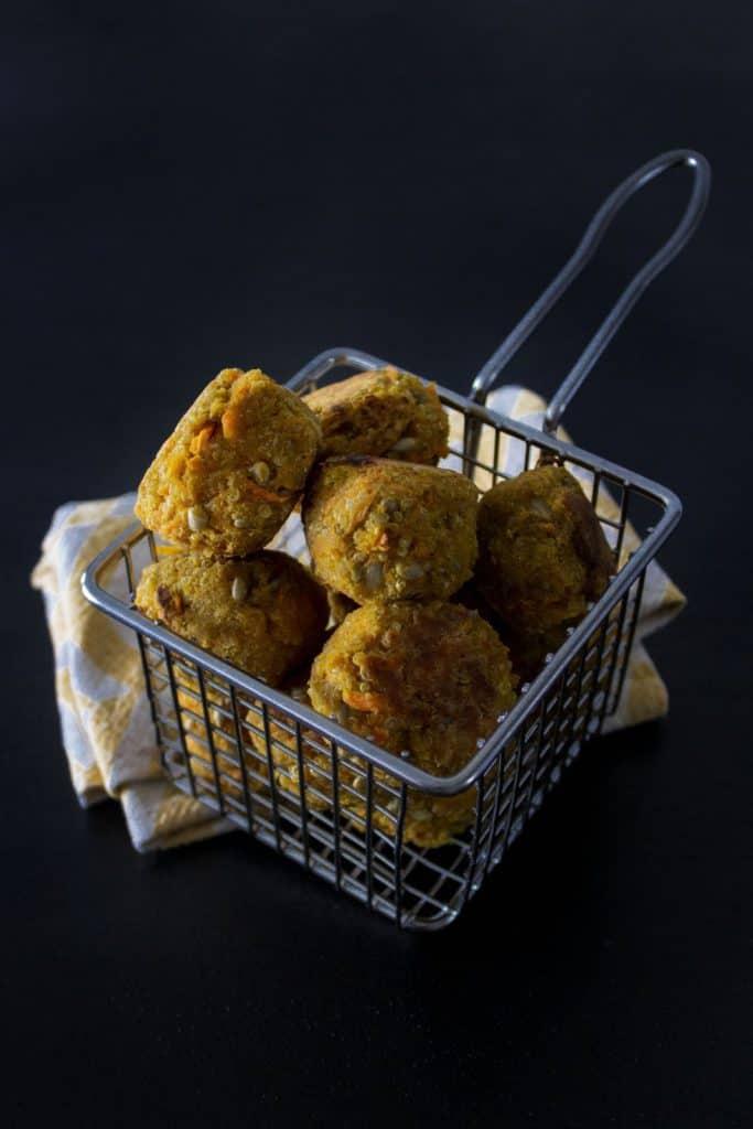 Glutenfria vegobullar med quinoa och morot