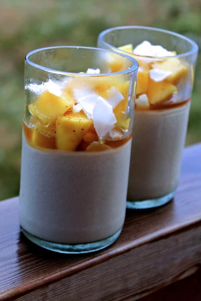 Kokospudding med mango